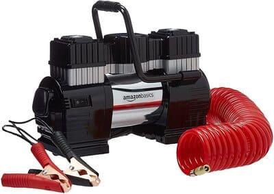 AmazonBasics-Compresor-de-aire-portatil-con-pinza-doble-de-bateria-con-estuche-de-transporte-eléctrico