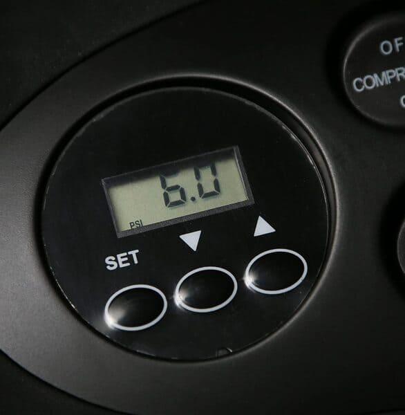 amazon basics compresor de aire portatil botones